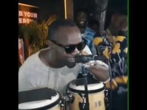 Video: Lil kesh shows he